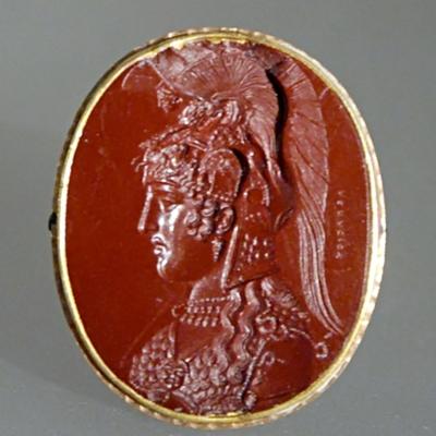 Intaille représentant la tête d'Athéna Parthénos