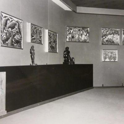 Exposition Universelle et Internationale de Bruxelles 1958. Palais du Congo Belge et du Ruanda-Urundi - Salle des Arts. Quelques oeuvres de peintres congolais